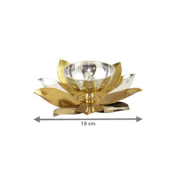 Brass diyas, brass diya set, Diya for pooja, diya for temple, Pooja items silver, Pooja items for home, diya for god, pooja items for temple, pooja items for gift, brass aarti diya