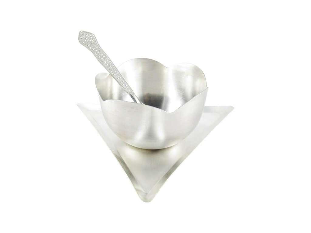 ice cream bowl set, silver plated ice cream bowls, ice cream bowl set with spoon, ice cream serving bowl, ice cream bowl and spoon Set, Brass ice cream bowls, ice cream bowls for party, ice cream bowl gift set, ice cream bowls with spoon